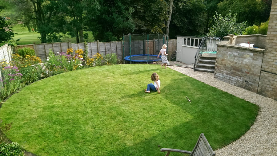 landscaping ideas for back gardens - sunken play area