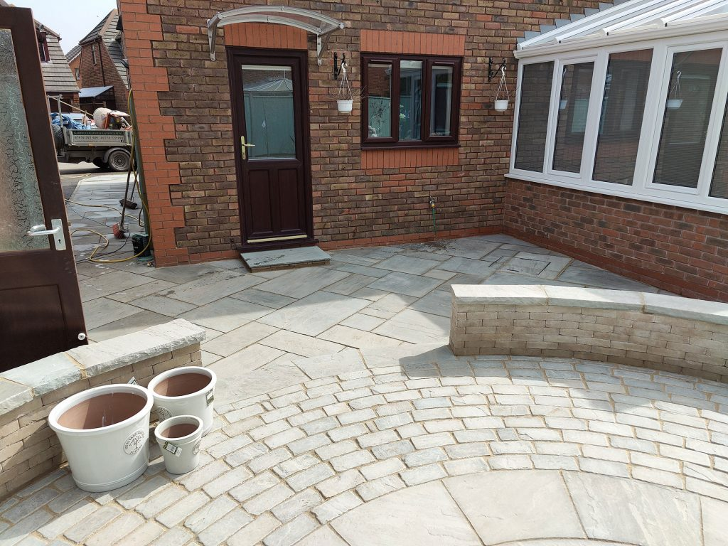 textured patio using slabs and setts